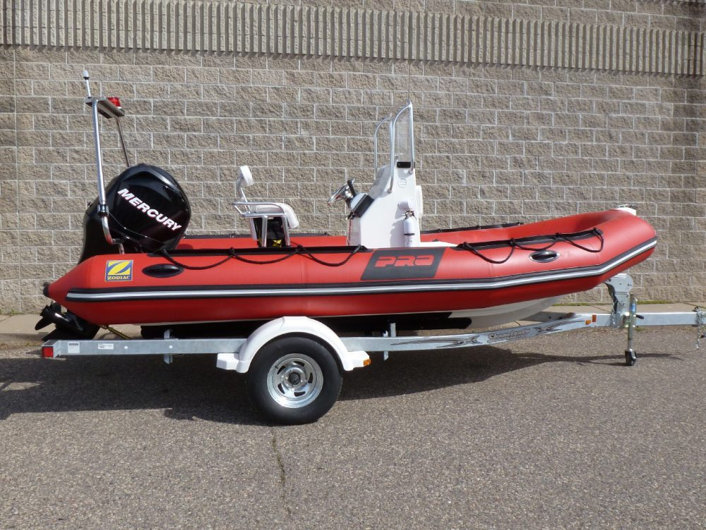 ZODIAC Fire & Rescue Pkg 10 :Pro Rec 550 with Mercury 90